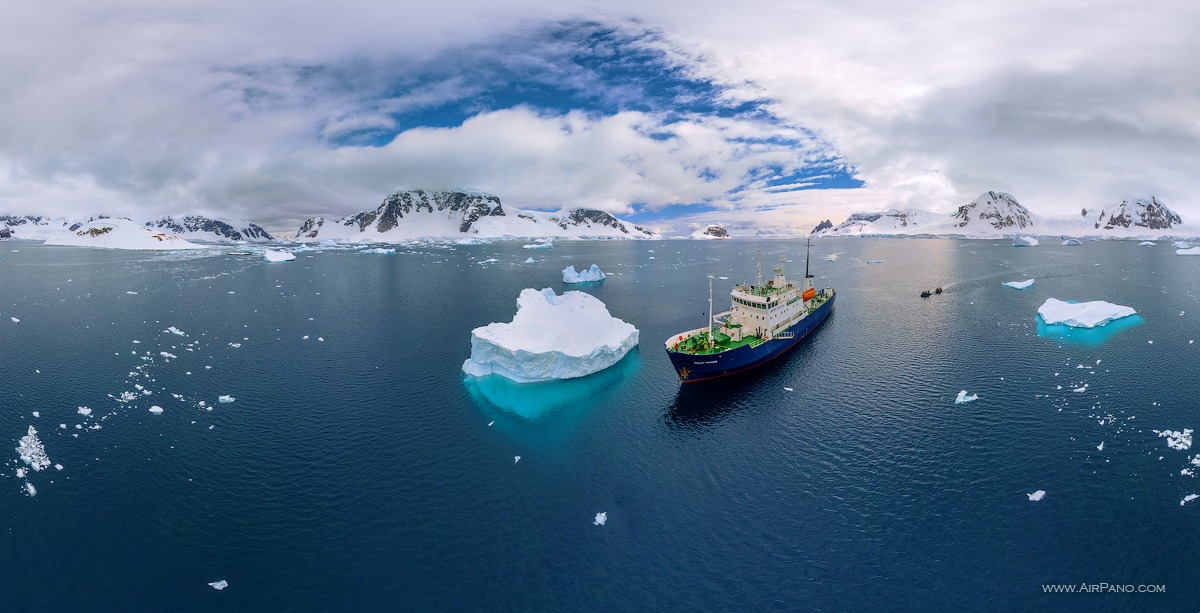 Polar Pioneer expedition ship