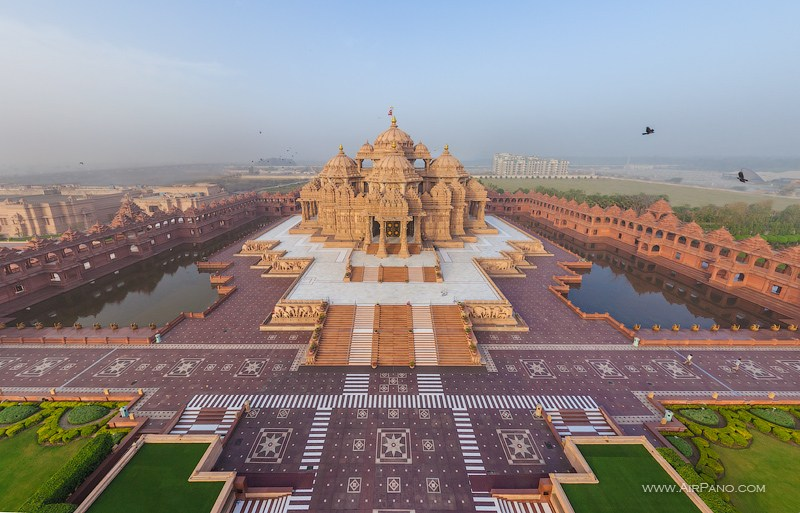 Akshardham. The largest Hindu temple