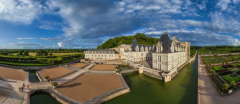 Chateaux of the loire valley france part i airpano com • 360