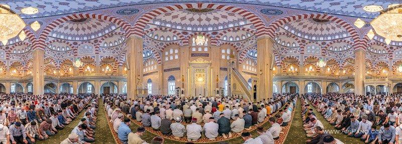 Salat (prayer) in the mosque