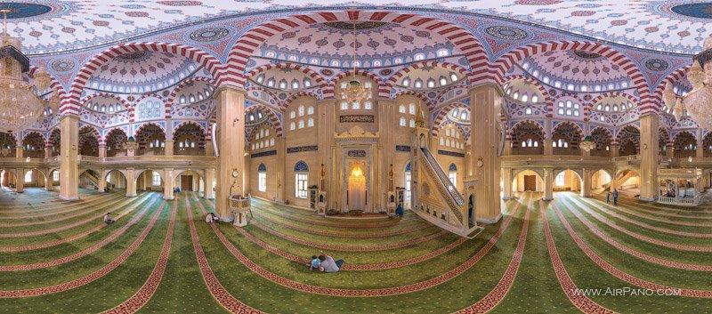 Interior of the Akhmad Kadyrov Mosque