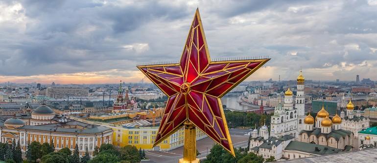 Bird's Eye View of the Moscow Kremlin - AirPano.com • 360° Aerial Panoramas • 360° Virtual Tours Around the World