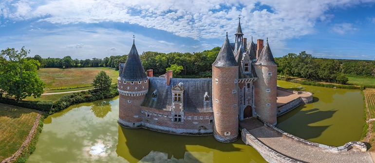Chateaux of the loire valley france part iii airpano com • 360