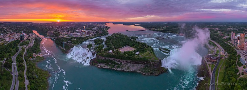 Niagara Falls, USA - Canada