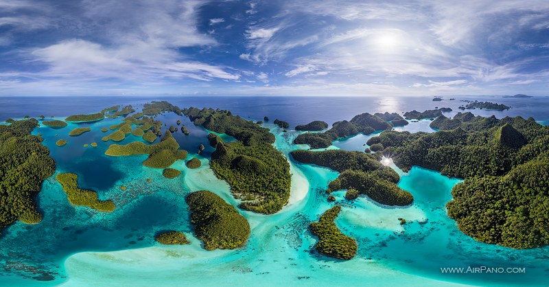 Wayag Islands, Raja Ampat archipelago, Indonesia